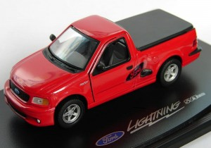 Ford F150 SVT Lightining red